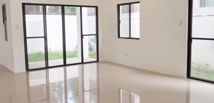 House and Lot in Cittadella Executive Village, Las Pinas
