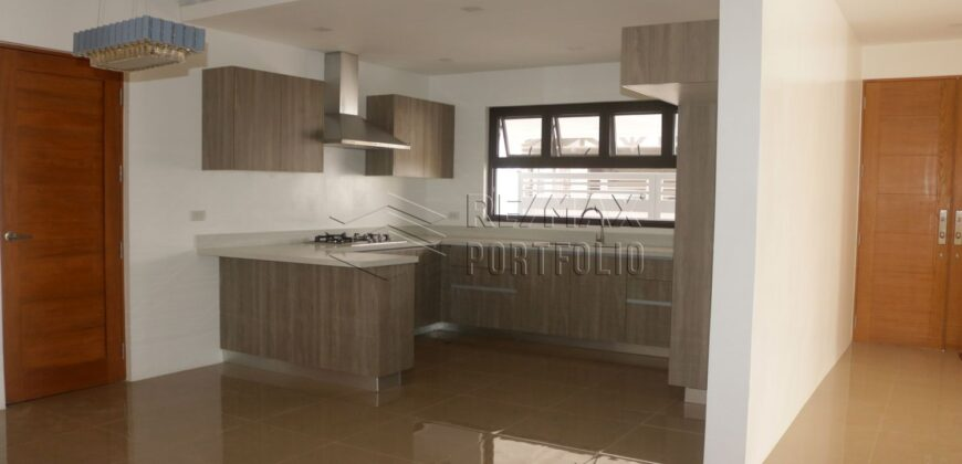 House and Lot with Swimming Pool in BF Homes, Paranaque