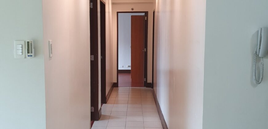 For Sale! 3BR condo unit in Forbeswood Parklane, BGC Taguig