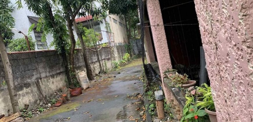 For sale 962 sqm Residental lot with old house in Varsity Hills, Quezon City