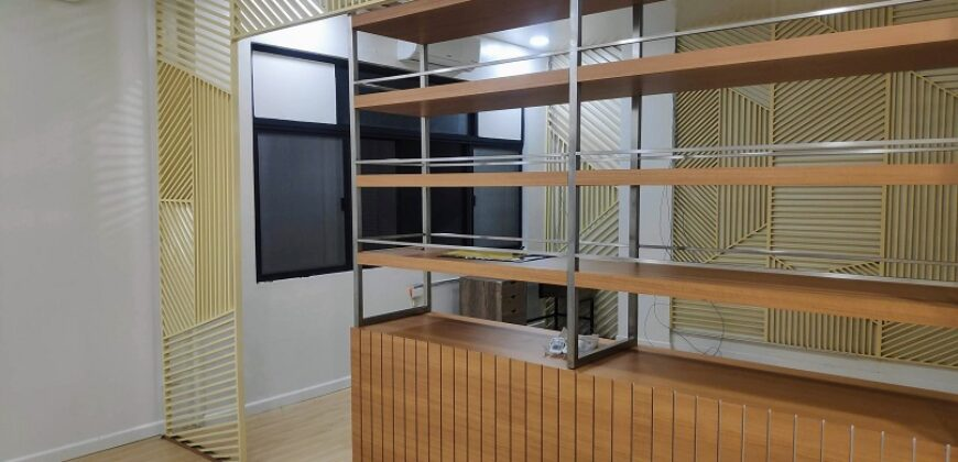 FOR LEASE! 41 sqm office space in Timog Ave. for Php 25,580.72 per month!