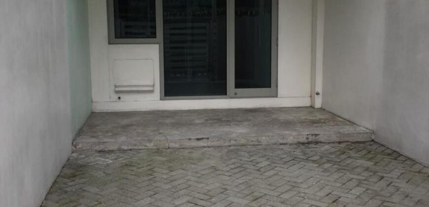 For sale: 1BR unit with own car port Azure Urban Resort Residences