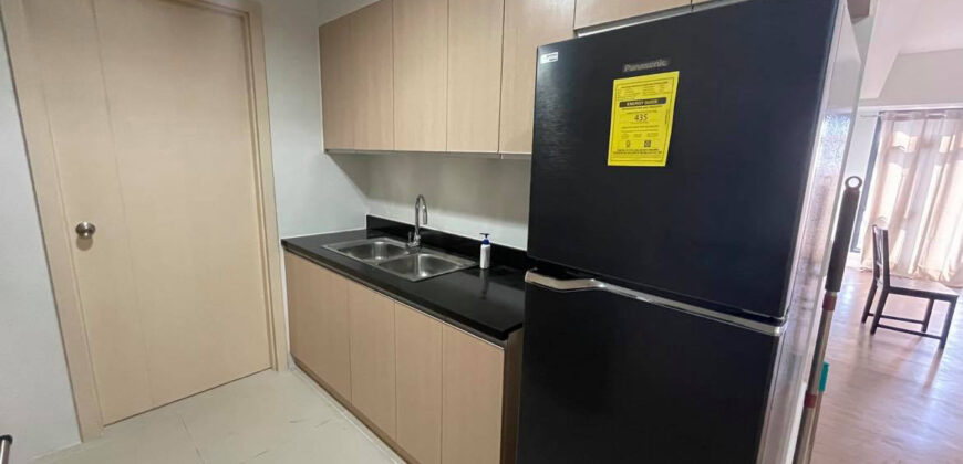 2BR Unit with Tandem parking at The Sandstone Portico by Alveo