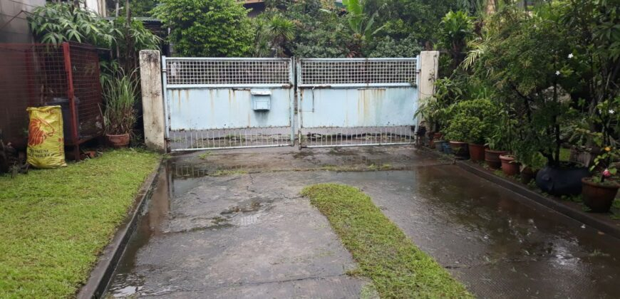 For Sale: 688sqm Residential Lot with Old House